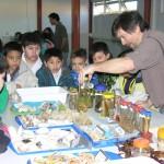 Niños de una escuela de Ushuaia de visita en el CADIC